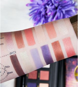 W7 - Paleta de sombras Enchanted